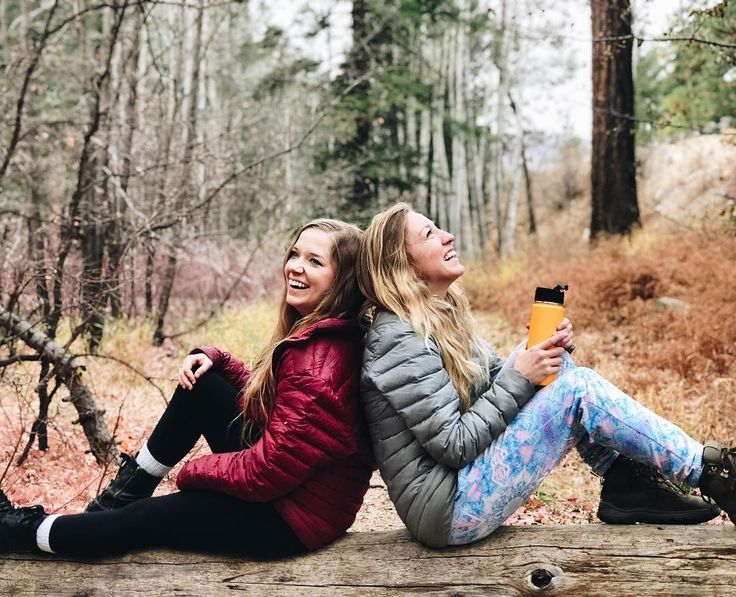 best friends, girls in nature, adventure photography, friends photography, autumn colors, #goexplore  #getoutside #communityovercompetition #collectivelycreate