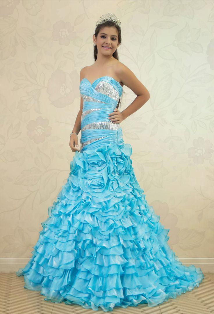 REF.2-20 Vestido de quinces estilo sirena  azul claro en boleros,  con lentejuelas plateadas.