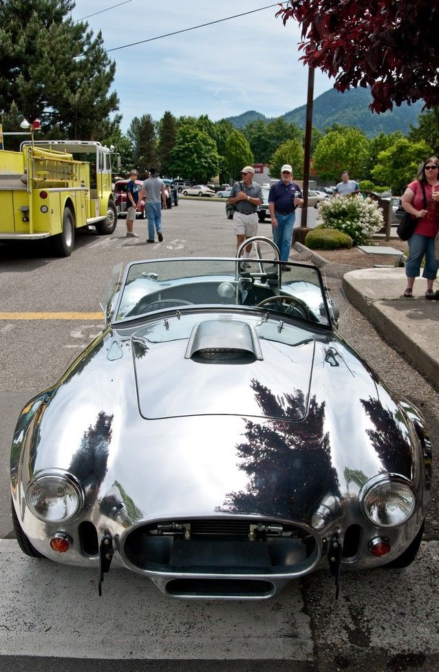Polished aluminum Cobra, no doubt a Kirkham Motorsports car, they build the best aluminum bodied cars ever, when there's no paint, you can't hide bad metalwork!