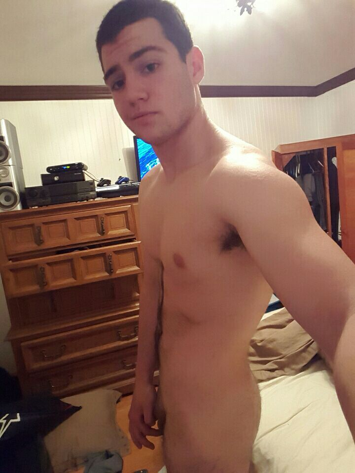 college guy nude selfies