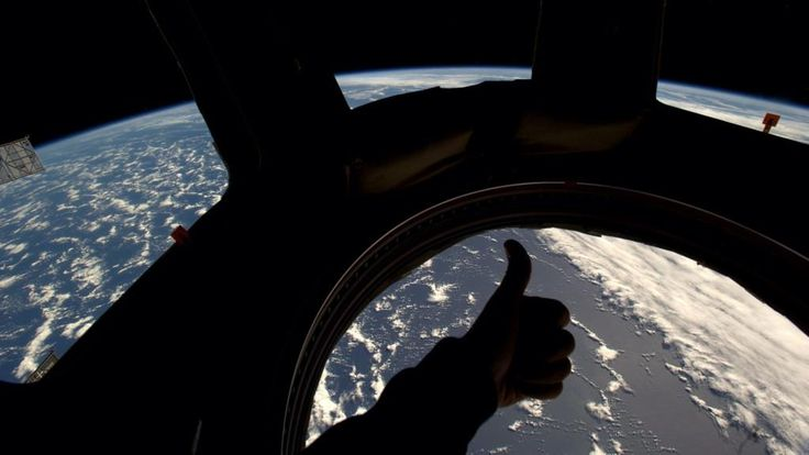The #Cupola is a rather nice place to hang out. #silhouettedthumbsupbestspacepicofalltimequestionmark