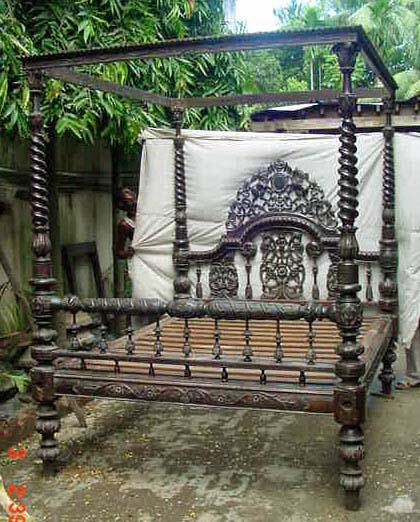 Vintage Poster Beds | antique four poster bed Victorian style price unknown