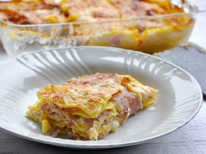 Lasagne senza glutine con cotto, besciamella e scamorza