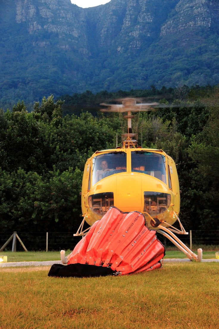 Fire Chopper touches down in Newlands HQ The Volunteer Wildfire Services (VWS) www.vws.org.za #capefire #vws