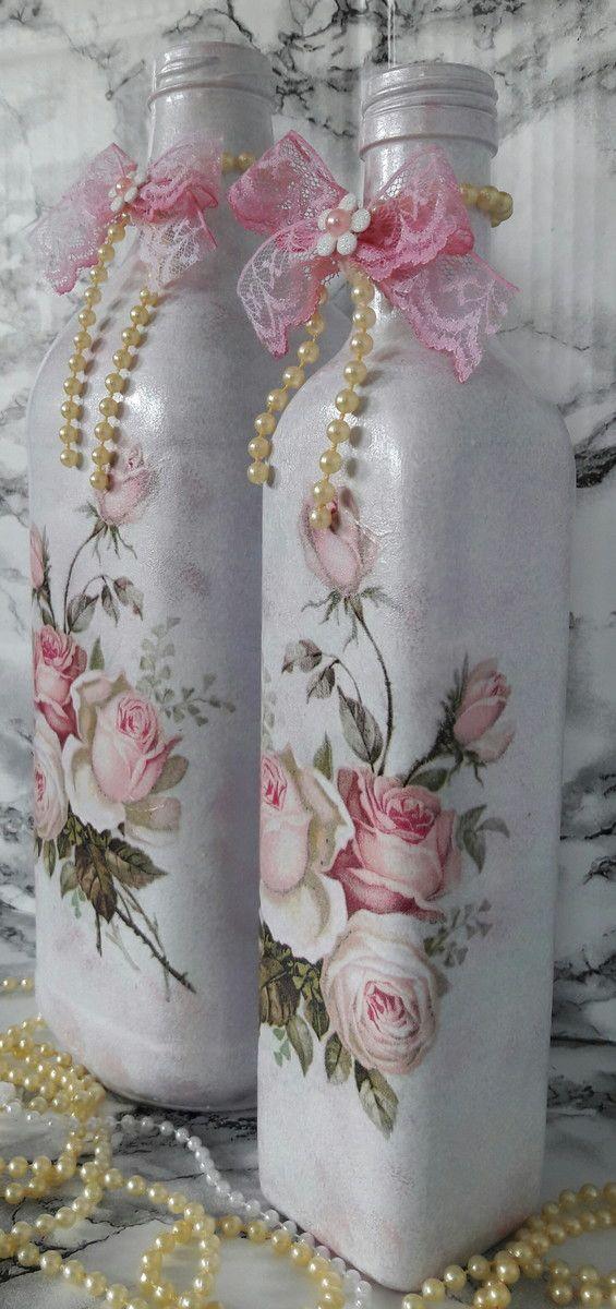 Garrafa decorada com com flores decoupadas para decoração  * garrafa maior 30x9x9  * garrafa menor 27x5x5
