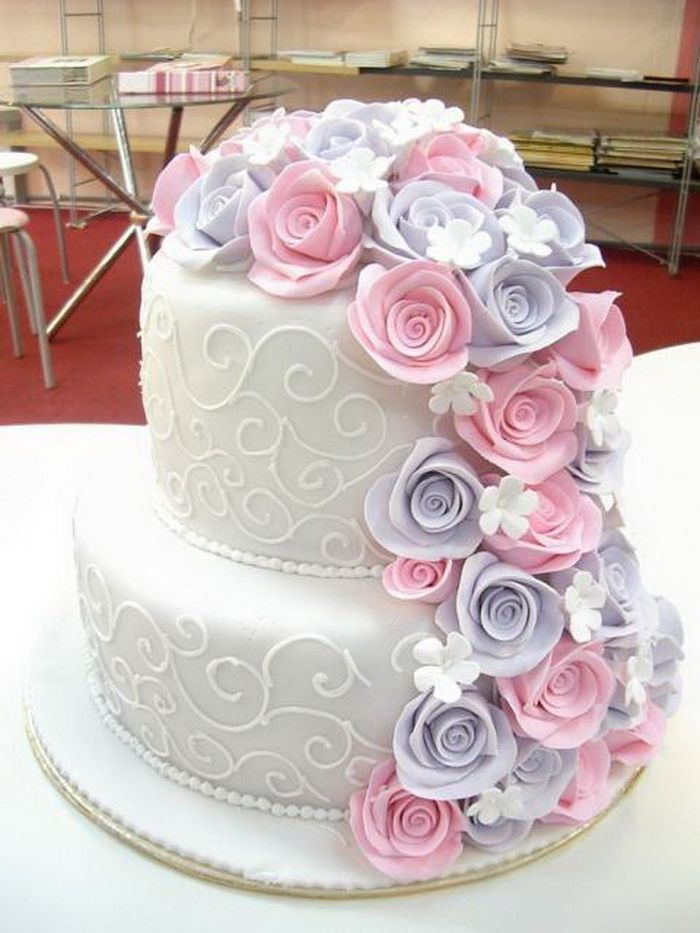 Find This Pin And More On Wedding Cakes Designs Idea By Arthijain87.