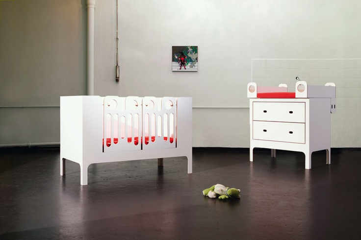 Design by Sabine Mühlbauer 2008. Material: MORGEN white. http://www.morgen.org