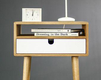 walnoot Mid-Century Scandinavische nightstand in door Habitables