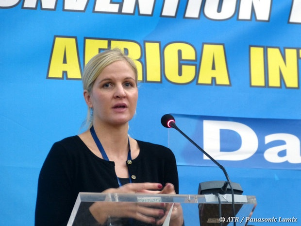 L'Olympienne Kirsty Coventry parle durant son discours à CISA des Jeux africains. # CISA #Convention #