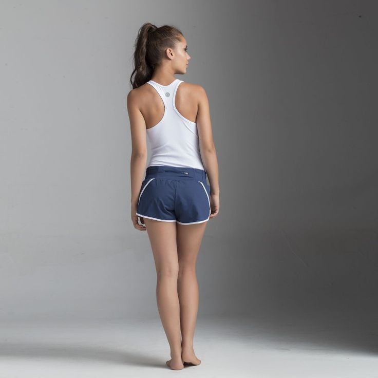 Top-manga-sisa T-Joppa + Shorts S-Gath de Bakkuk, un look ideal para correr. Bakkuk Tank T-Joppa + Shorts S-Gath. An ideal look for running