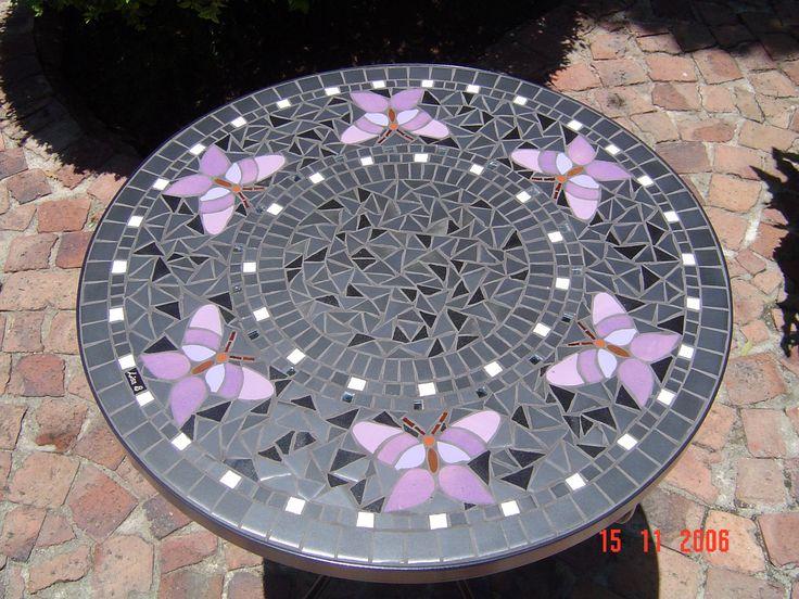 17 migliori idee su tavoli a mosaico su pinterest. Black Bedroom Furniture Sets. Home Design Ideas