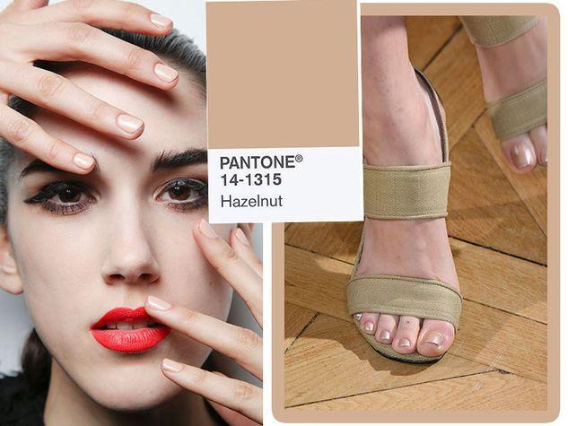 Pantone Hazelnut 14-1315 TCX, il nuovo nudo-beige del 2017. Da sinistra Elisabetta Franchi e Pascal Millet.
