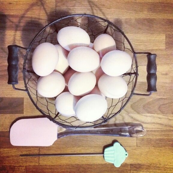 #perfecthome #kitchen #cooking #eggs #pink #mint #wood