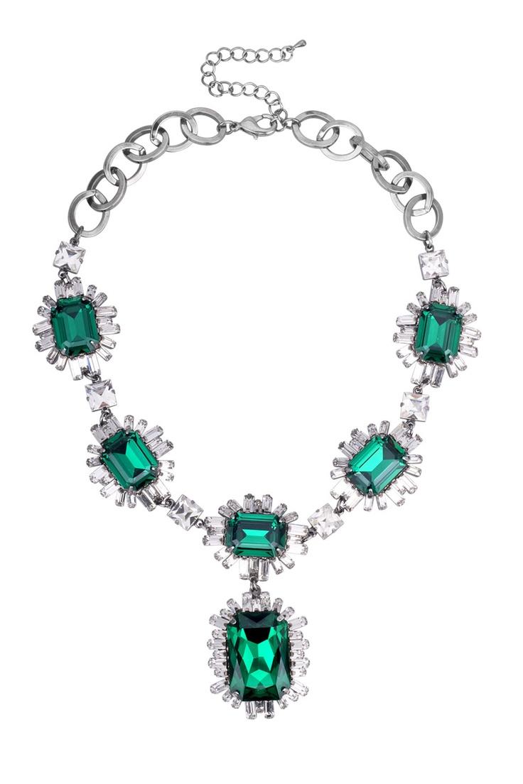 Lyxigt halsband med stora gröna Cubic Zirconastenar och vita Swarovskistenar.   *Luxurious necklace with large green CZ