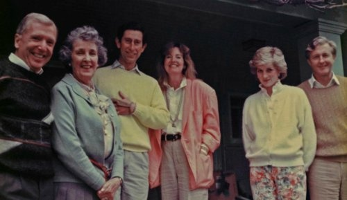Rare photo of Prince Charles and Princess Diana in Vancouver 1986. They are pictured with architect Arthur Erickson, Veronica Miller, Hillary Weston, and Galen Weston.  The photo can be found here: Photo Courtesy of The Erickson Family Collection  Source: (x)