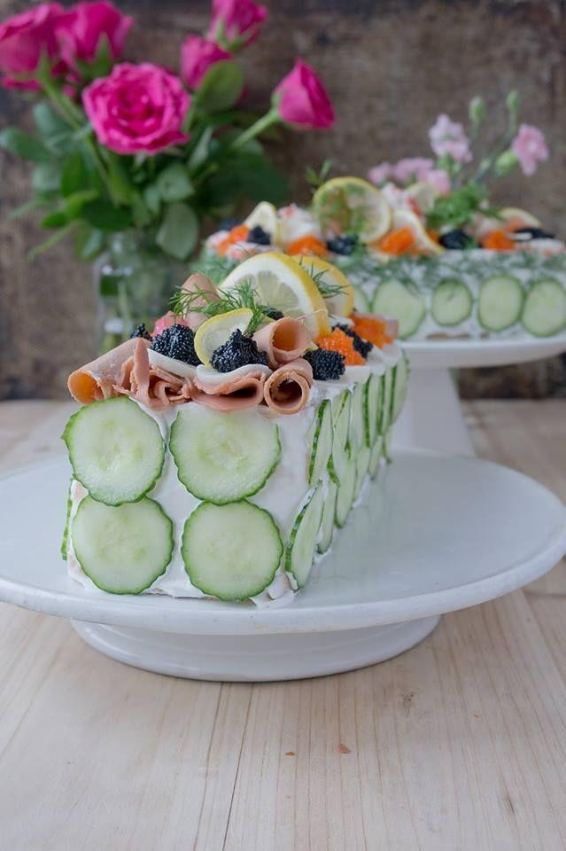 KLASSISK SMÖRGÅSTÅRTA UTAN ÄGG OCH MJÖLK (+ VEGO). Passar perfekt på midsommar eller studenten! Bjud allergiker, vegetarianer och veganer på en fantastisk smörgåstårta! Eftersom jag själv äter vege...