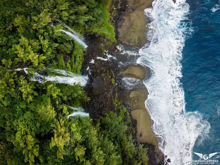 Les Cascades De La Plage Du Tremblet A L Ile De La Reunion Est Le