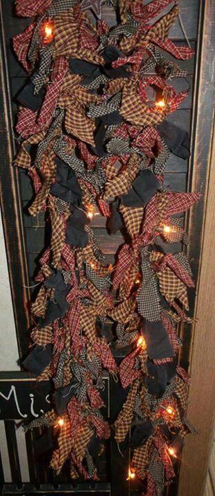 Best 25 rag garland ideas on pinterest rag banner for Garland christmas tree craft