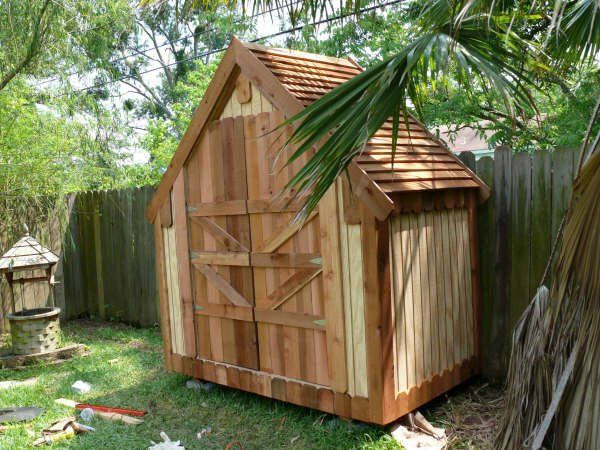 Narrow shed made by Bill