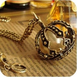 Enclosed Pearl Necklace