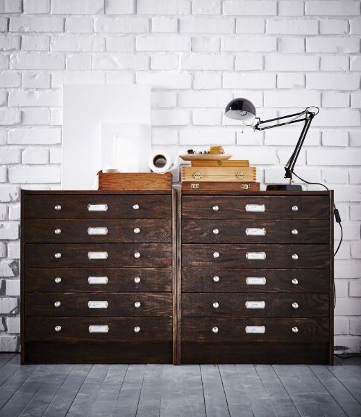 Commode 3 tiroirs IKEA RAST relookée en meuble de classement vintage.