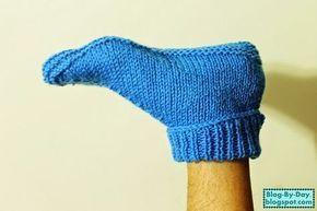 Resolvi fazer um par de meias para o Beto, que fosse rápido, simples e grande, já que ele tem um pé realmente grande. Na foto parece que deu...