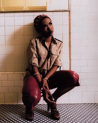 歌手でもありファッションリーダーでもあるローリン・ヒルは女性の憧れ☆