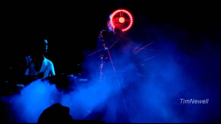 "U2 ""Ultraviolet (Light My Way)"" FANTASTIC VERSION /  Anaheim / June 18th..."