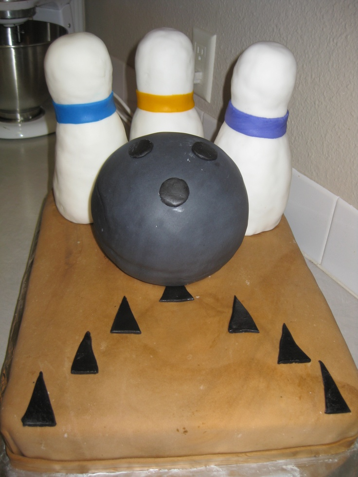 Bowling Themed Cupcake Cakes