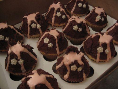 vulcano chocolate cupcakes - chocolate Photo
