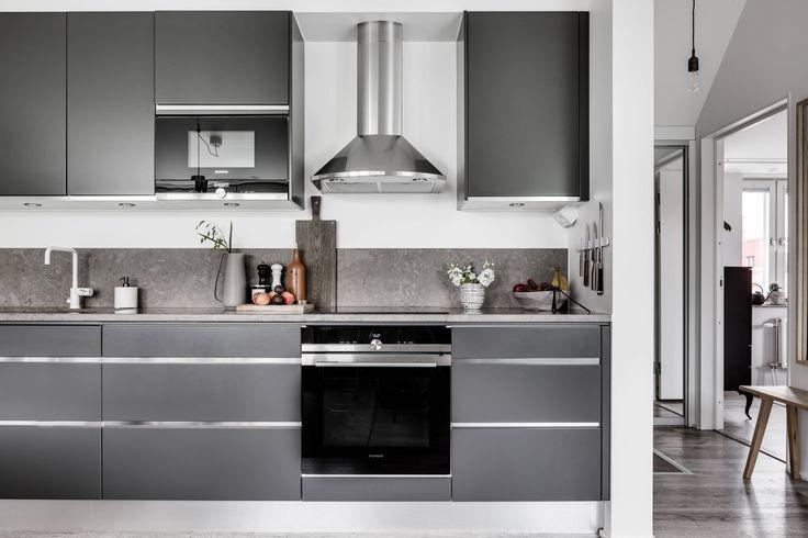 Nowoczesne szafki kuchenne w szarym kolorze