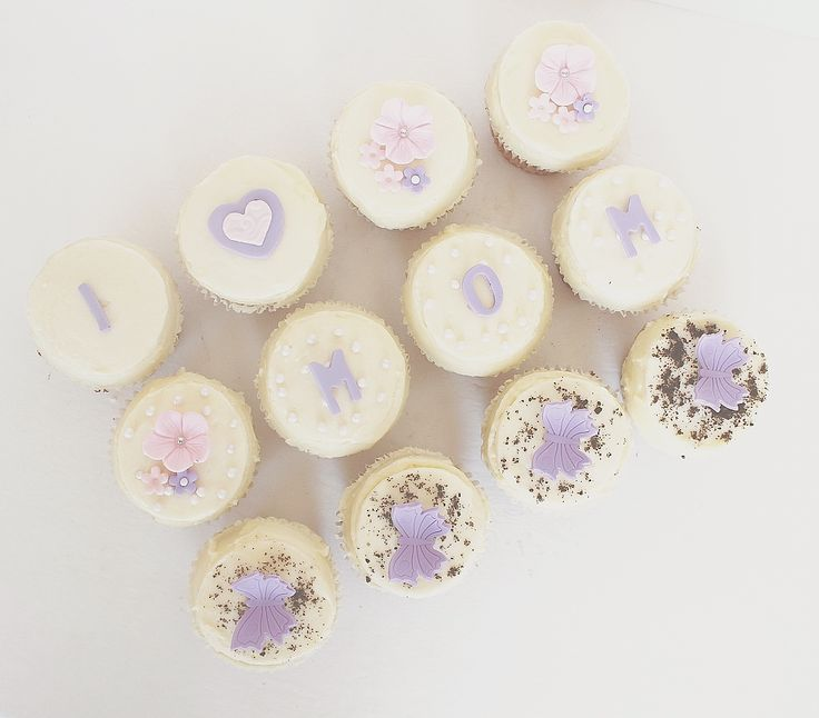 Mothers Day Cupcakes by CarlasCakes best in Ottawa check out others at www.CarlasCakesOnline.com