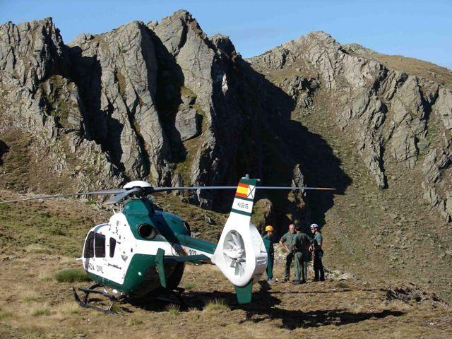 El Servicio de Montaña de la Guardia Civil ha efectuado el rescate de más de 500 personas durante el periodo invernal.-noticia defensa.com