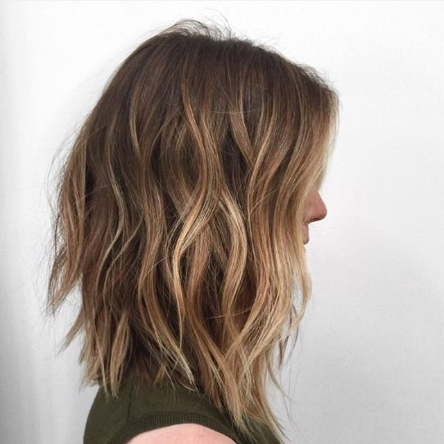 Major colour inspo.... (Not me btw) Saving this pic for future reference. Finally booked to have my hair done this weekend at @m2urbanretreat cannot waiiiiit #bronde #hairspo #balayage