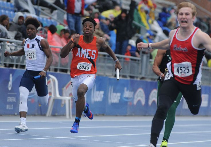 Ames' Bernard Bell anchors the Little Cyclones to a fifth-place finish during the high school boys 4x100-meter relay at the Drake Relays on Saturday at Drake Stadium in Des Moines. Photo by Nirmalendu Majumdar/Ames Tribune http://www.amestrib.com/sports/20170429/little-cyclones-turn-in-strong-showing-with-pair-of-top-six-relays-at-drake