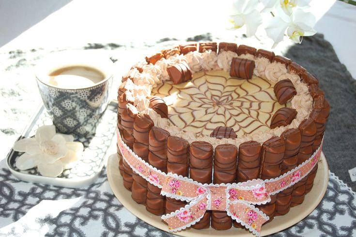 Torta Kinder Bueno | Le ricette di DELIZIEePASTICCi