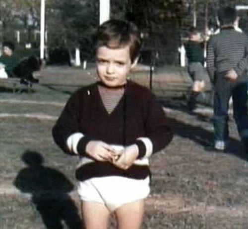 Gustavo Cerati (pequeño <3)
