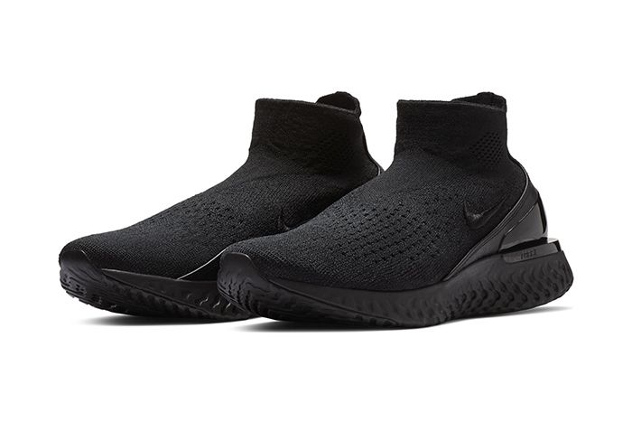 Nike Black Out The Rise React Flyknit Black Nike Shoes Black Nikes Sneakers Men