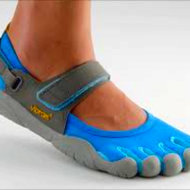17 Best images about TOE SHOES on Pinterest | Running shoes ...