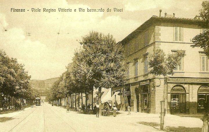 1910: Viale Don Minzoni as seen from Piazza Liberta.