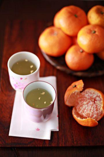 Japanese green tea and mikan