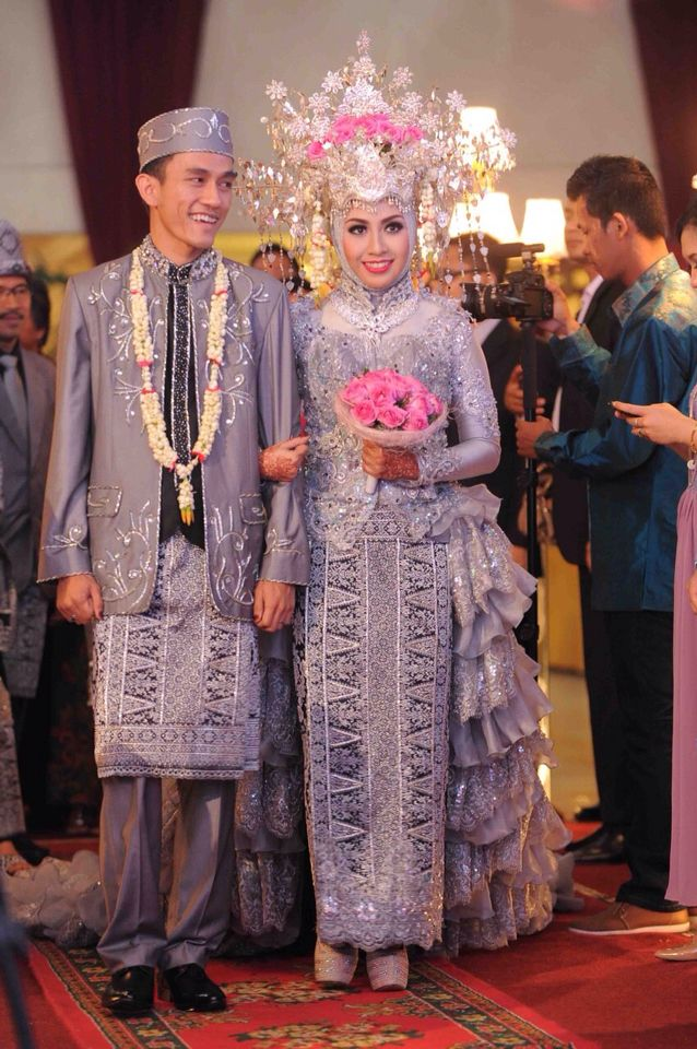 Beautiful wedding #wedding #hijab #indonesia #palembang #songket #kebaya