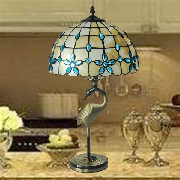 Imagen de http://i01.i.aliimg.com/wsphoto/v0/32217390277/110-220V-Free-Shipping-CE-And-FCC-Stained-Glass-Lamp-Shade-Copper-Tiffany-Table-Lamp-D30cm.jpg.