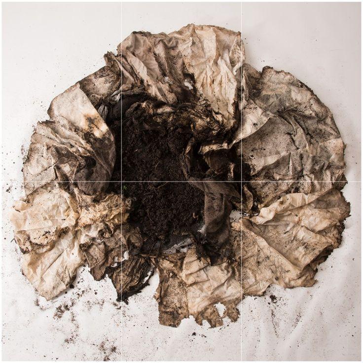 Paula de Solminihac, Lo que Resta del Otro, 2017, telas de Algodón, lino y lona, 220 cm diámetro aprox. Foto: Jorge Brantmayer.