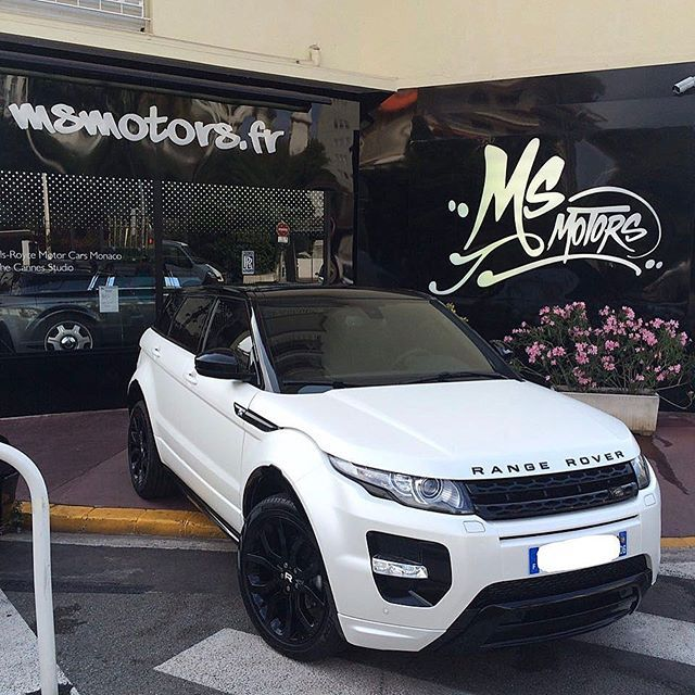 Instagram media by msmotors - Black & White Range Rover Evoque! Thoughts? Build by @msmotors - #msmotors
