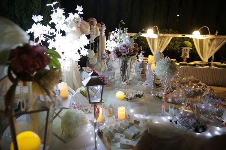 Confettata al Parco Chiaramontano - La Segreta Siculiana. Ricevimenti Impeccabili #matrimoni #lasegreta #location #castelli #ricevimenti #agrigento #caltanissetta #sicilia #luxury #parco #valledeitempli #wedding #sicily #sposi #valleyofthetemples