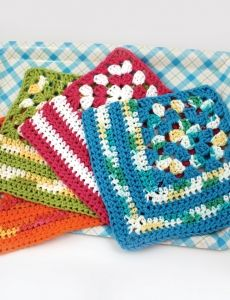 Scrubby Posey | Yarn | Free Knitting Patterns | Crochet Patterns | Yarnspirations