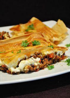 Küchenzaubereien: Börek vom Blech (mit Hackfleisch & Feta)