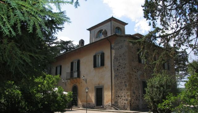 Spectacular padronal Villa of 1800 of a noble country estate in Umbria