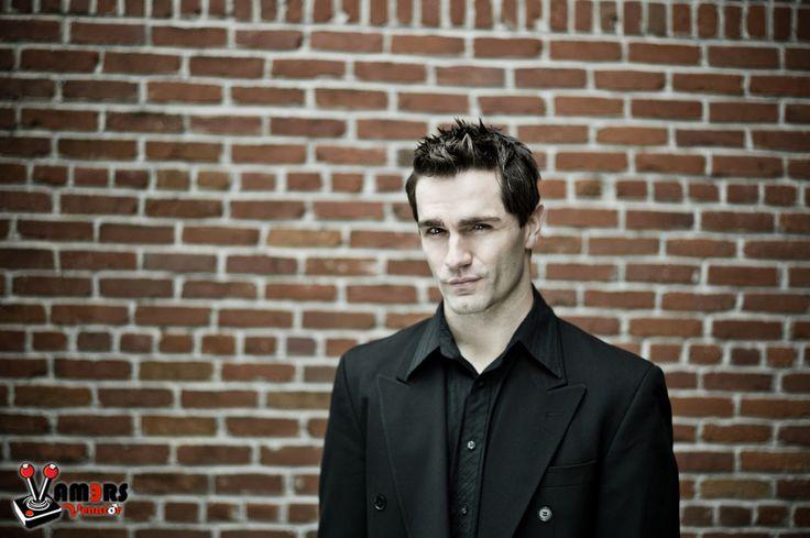 Vamers Venator for May 2012: Samuel Witwer 07